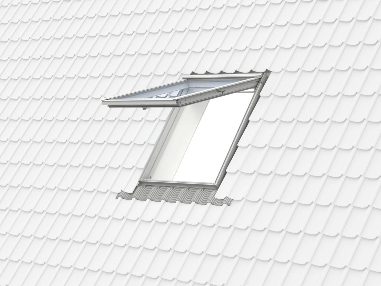 Velux Pine Top Hung Roof Window Gpl3070